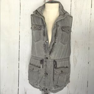 Max Jeans faded gray cargo vest